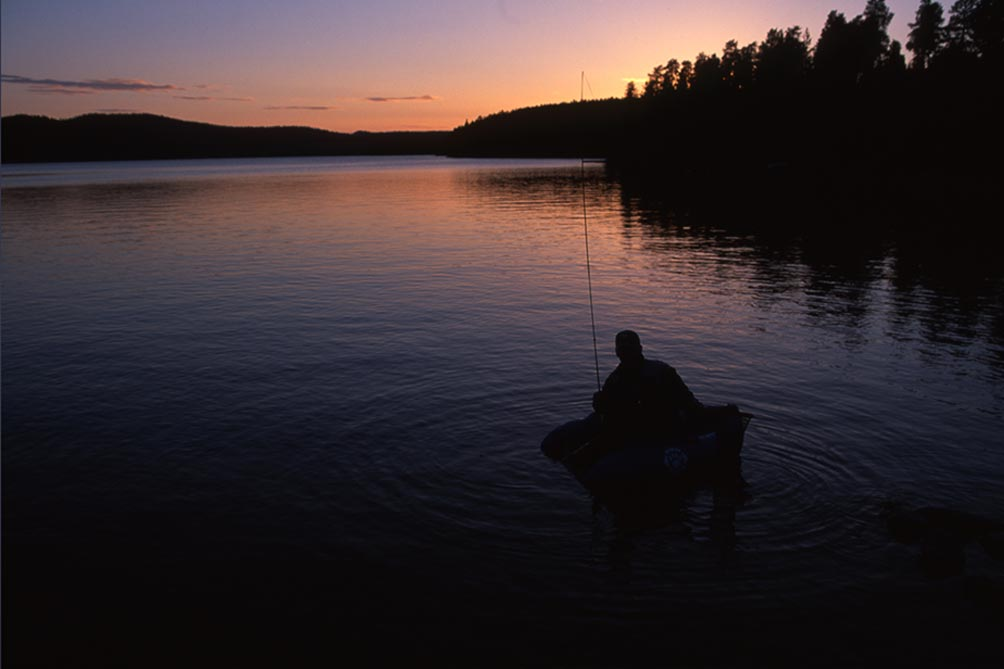 <h3>SÖRBYN LODGE GUIDING</h3> <p>Emanuel Swärd, Palle Andersson and Mats Ole Herz re the guides in Sörbyn Lodge. Their experiences include together 40 years of fly fishing, a lover of predator fishing an the current world record holder of perch.</p> <p><a class=btn-squared href=https://sorbynfishing.com/the-fishing/guiding>I want to read more</a></p>